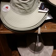 546f7708aeb Chapel Hats - 60 fotos - Sombreros - 1450 Ala Moana Blvd