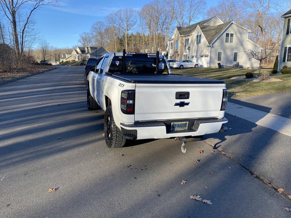 D-Hand Car Wash: 655 Queen St, Southington, CT
