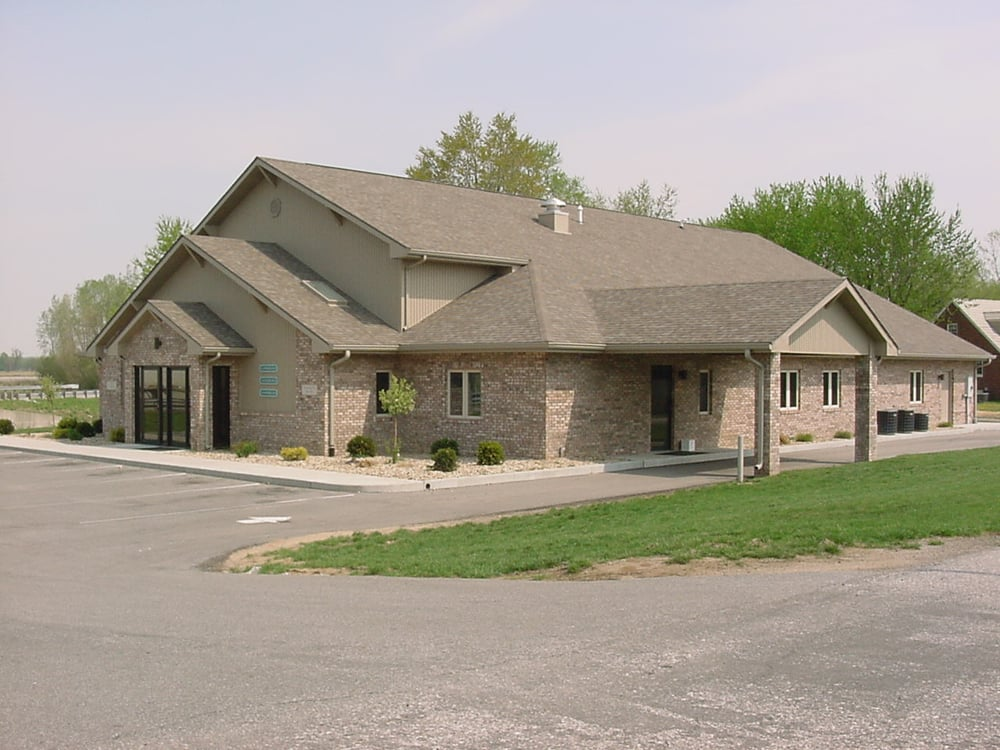 Seymour Animal Hospital: 5817 W Tipton St, Seymour, IN