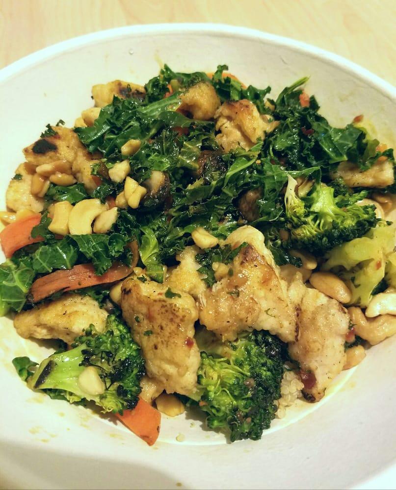 Spicy Thai Chicken Wok Bowl With Quinoa
