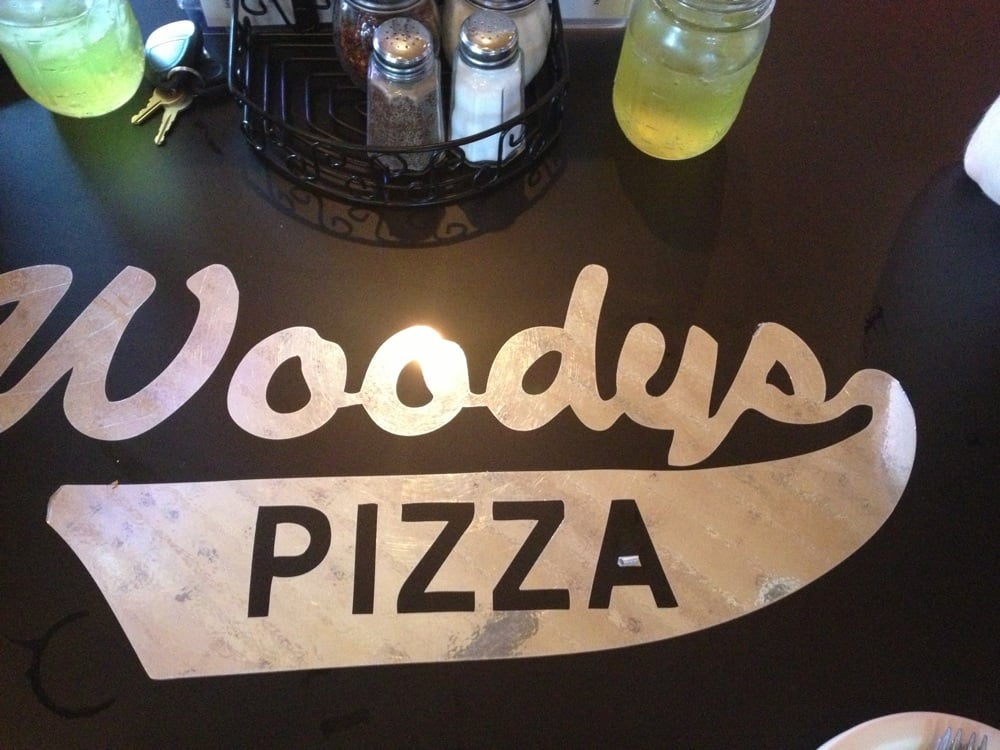 Woody's Pizza: 9 W 1st St N, Estherville, IA