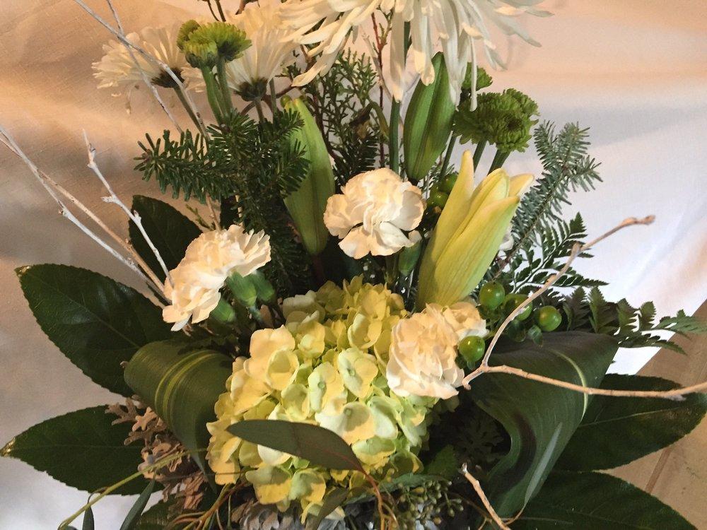 Always Always Flowers: 8 Elizabeth St, Niantic, CT
