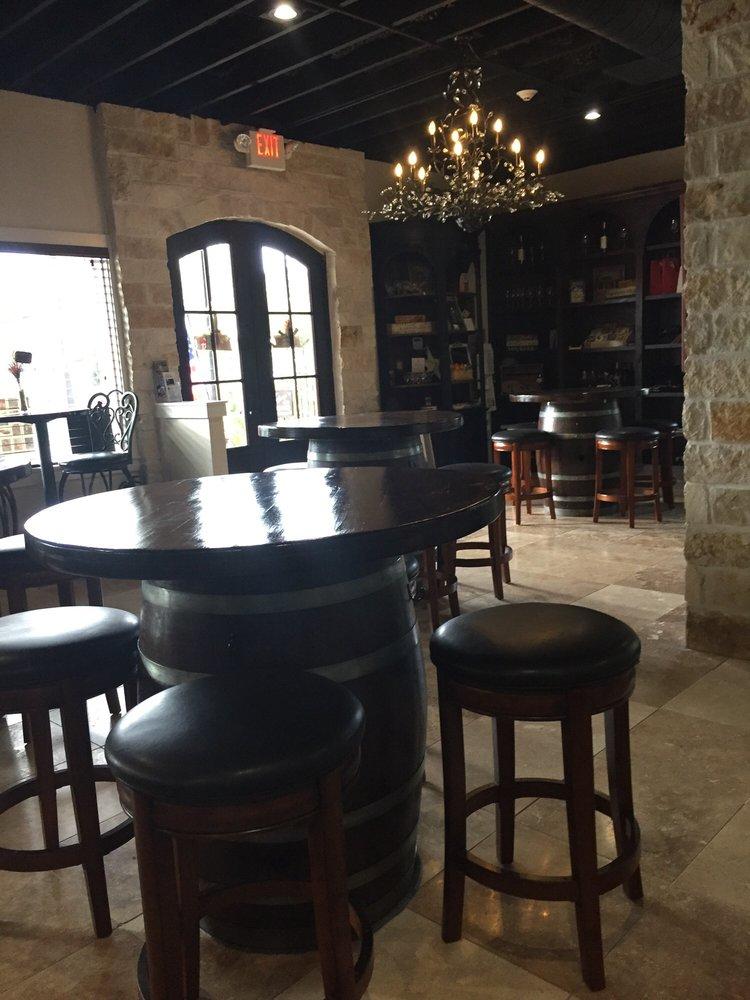 Whitley Vineyards: 401 College St, Montgomery, TX