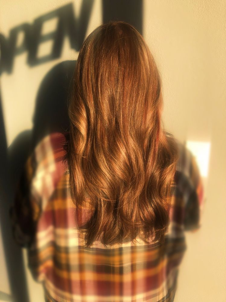 The Hair Studio: 449 Hwy 71 W, Bastrop, TX
