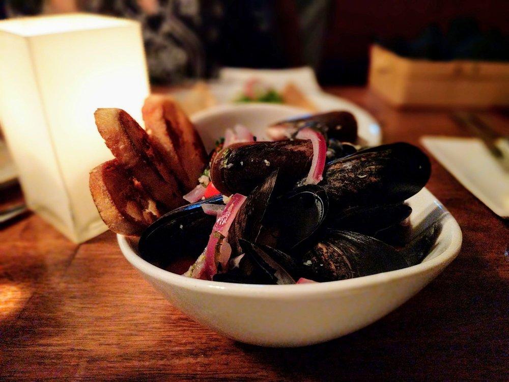 Thistle Inn Restaurant: 55 Oak St, Boothbay Harbor, ME