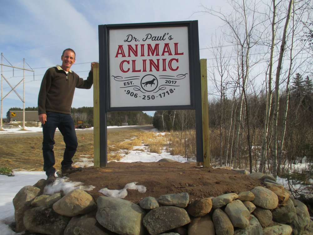 Dr. Paul's Animal Clinic: N22036 US Highway 141 8, Niagara, WI