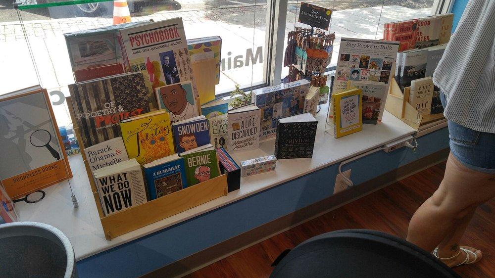 Main Point Books: 116 N Wayne Ave, Wayne, PA