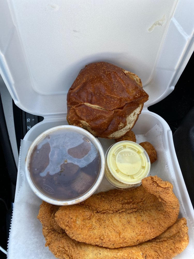 Caplinger's Fresh Catch Seafood Kitchen: 9535 Pendleton Pike, Indianapolis, IN