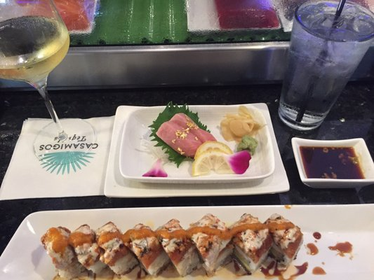 Wheeling restaurants dentists bars beauty salons for Lucky fish northbrook
