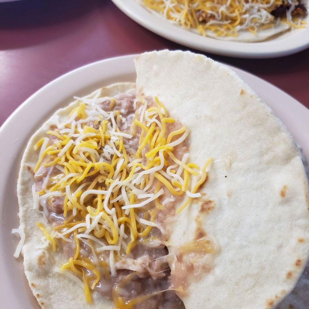 Santanas Cafe: 19530 US 281, San Antonio, TX
