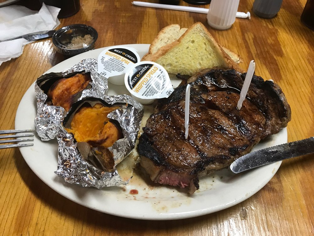 Lee's Steakhouse: 15874 Hwy 21, Sebastopol, MS