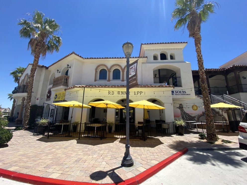 RD RNNR Libations, Pints & Plates: 78075 Main St, La Quinta, CA