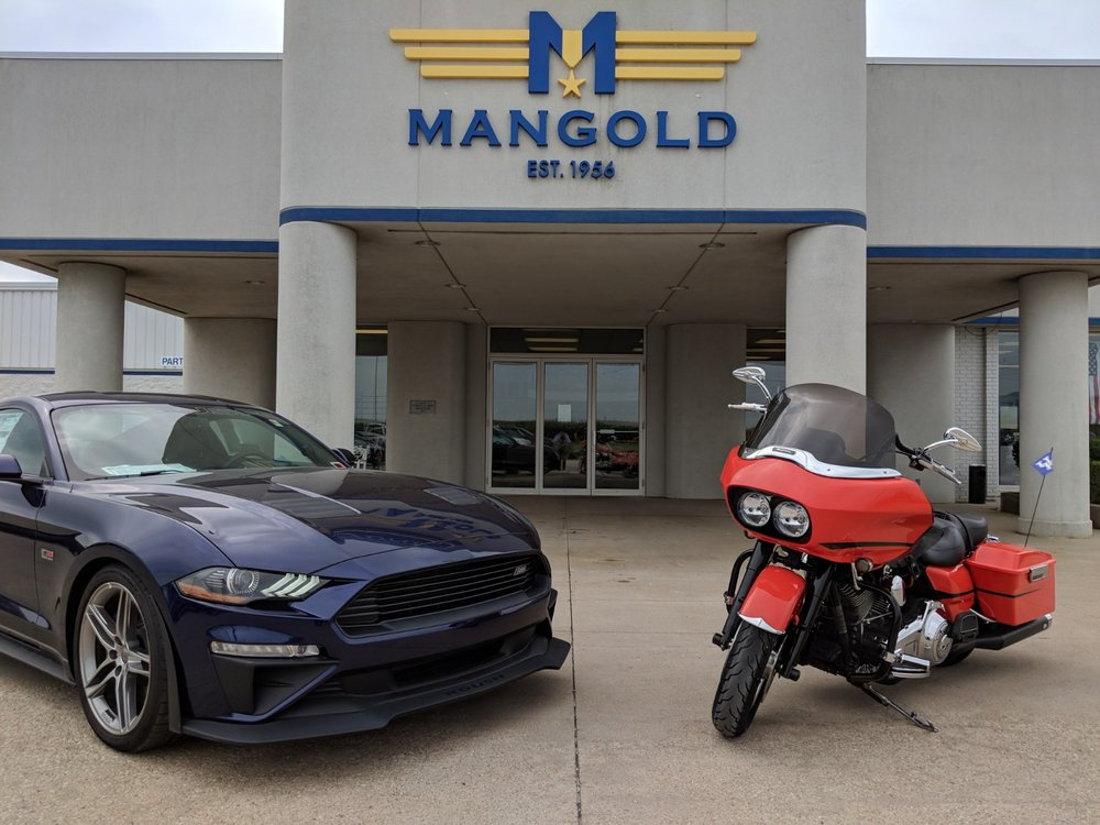 Mangold Ford: 1100 W Center St, Eureka, IL