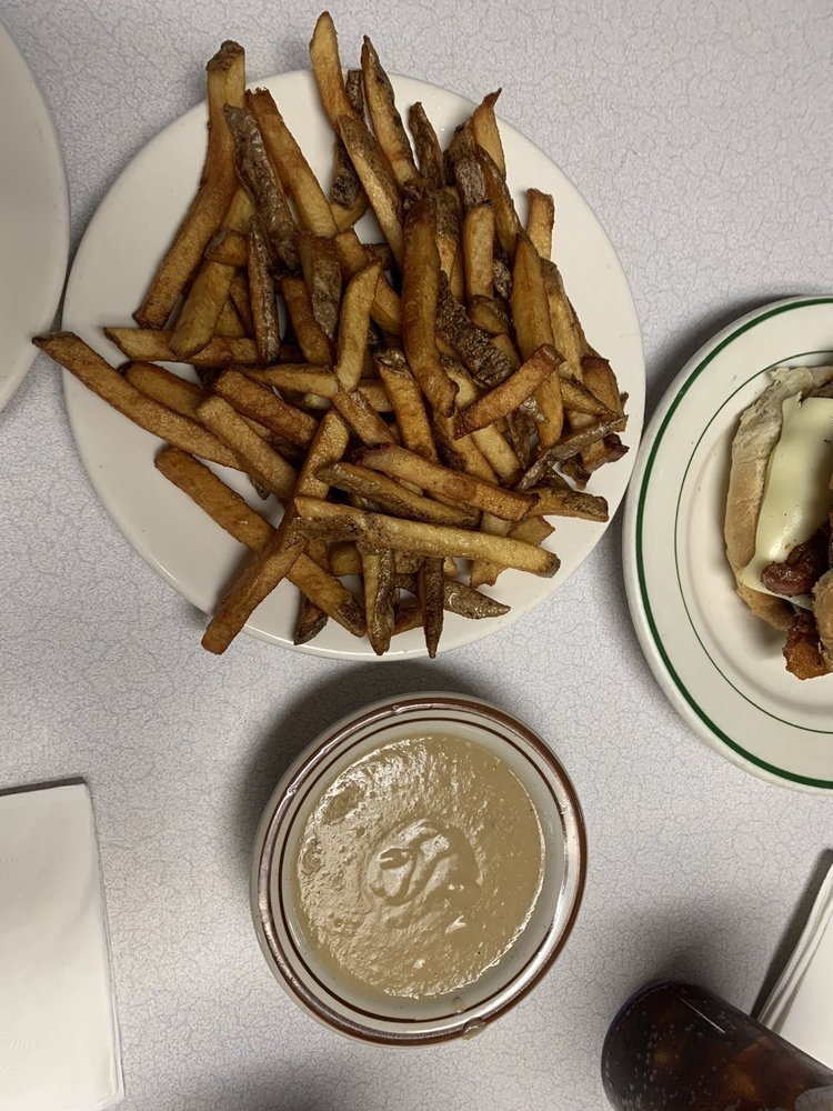 Poopie Di Manno's Lunch: 54 Lawrence St, Glens Falls, NY