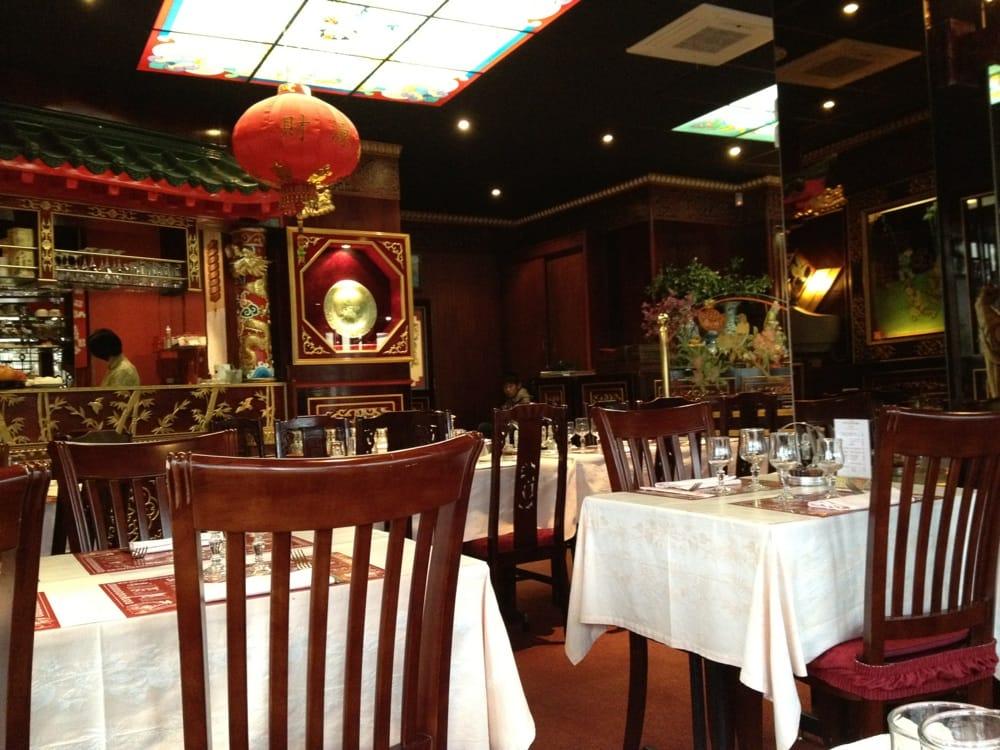 Bienvenue ying pine restaurants 8 place robert belvaux for Restaurant le perreux