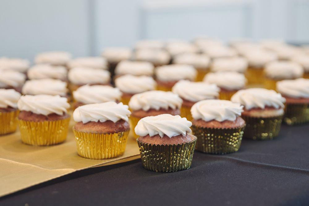 Above & Beyond Wedding Cakes