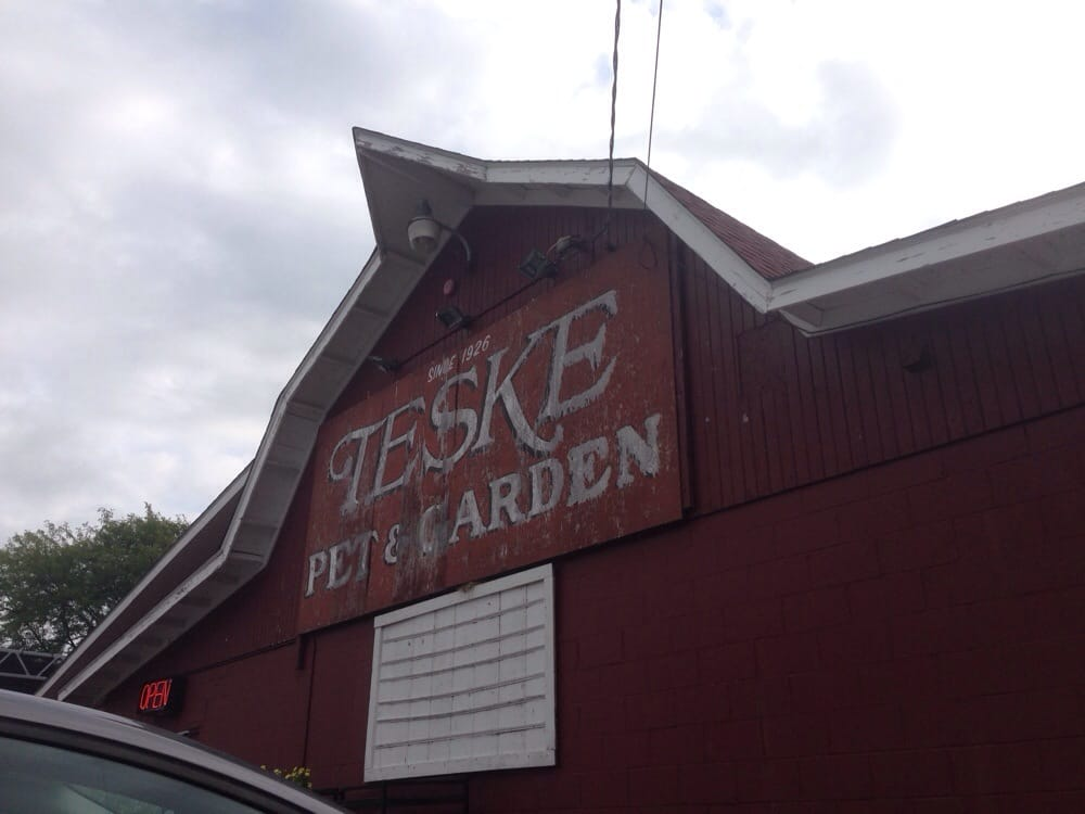Teske Pet & Garden: 2395 Spruce Hills Dr, Bettendorf, IA