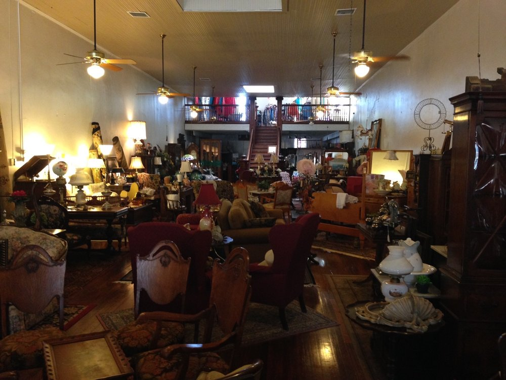 The Carriage Stop: 214 Main St, Smithville, TX
