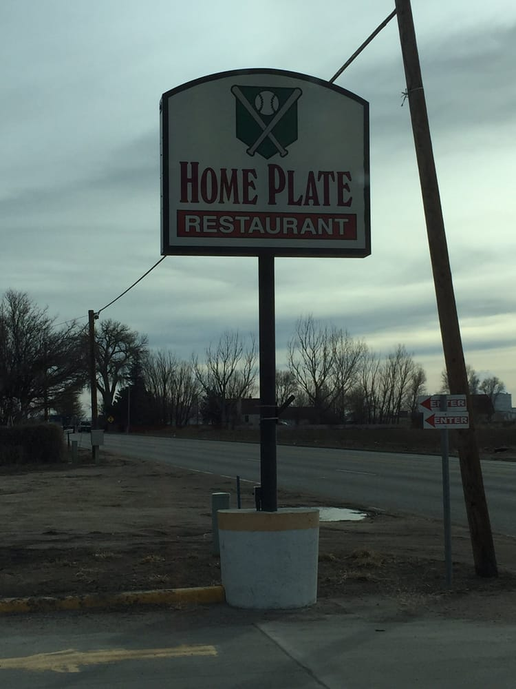 Home Plate Restaurant: 19719 Hwy 34, Fort Morgan, CO