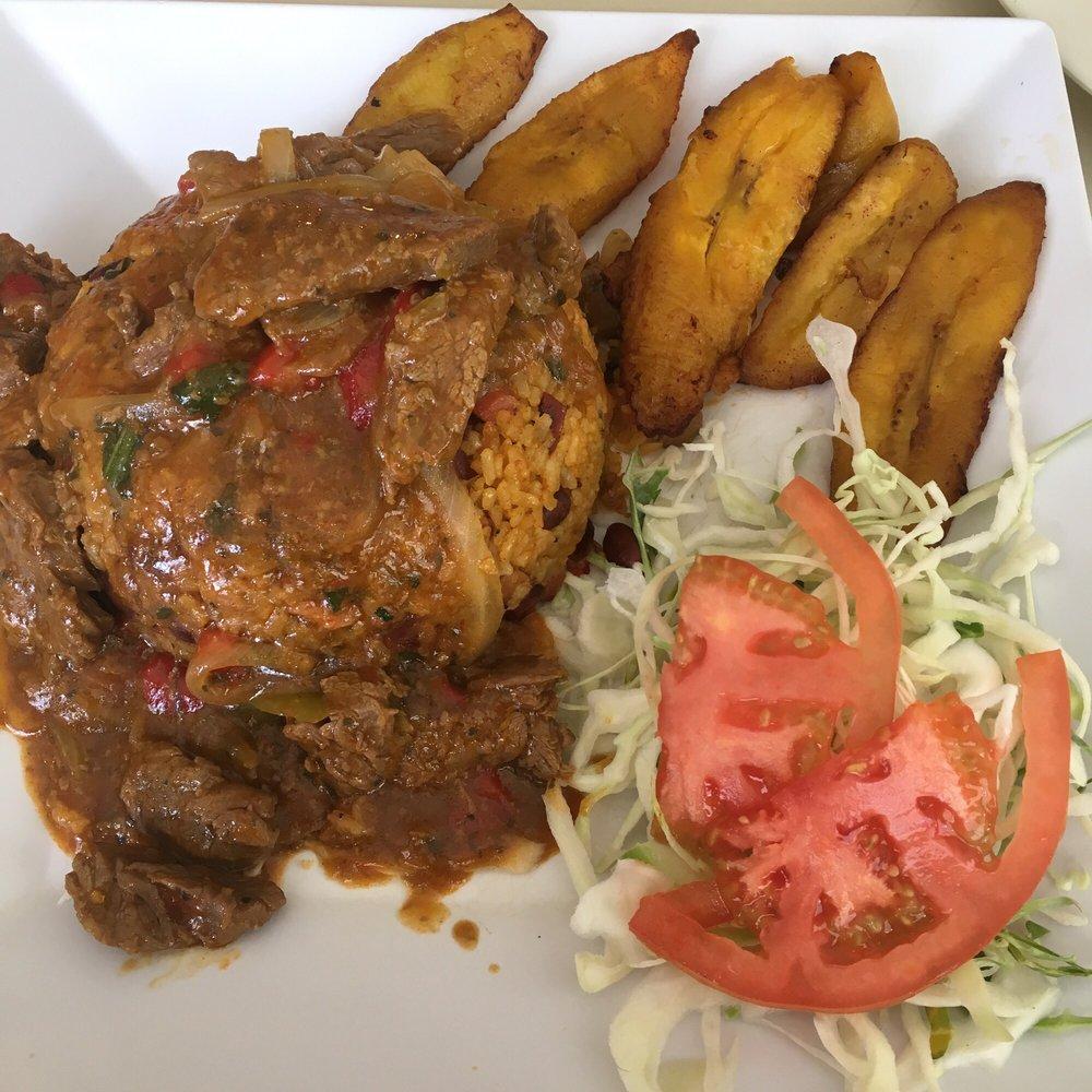 Restaurante Los Dos Mangoes: Carretera 173 Km 11.9, Cidra, PR