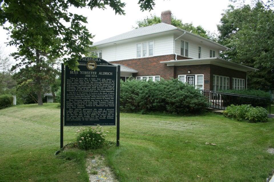 Aldrich House: 204 E F St, Elmwood, NE