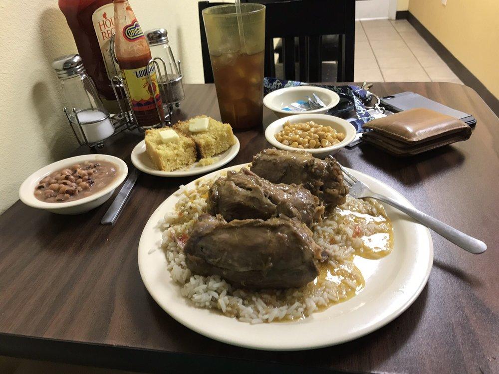 Mama Frances Soul Kitchen: 199 Vauthier St, La Marque, TX