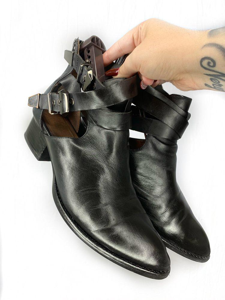 Shoe Wiz: 11345 183rd St, Cerritos, CA