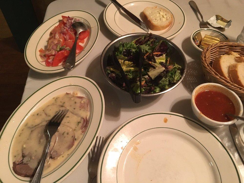 Benji's French Basque Restaurant: 4001 Rosedale Hwy, Bakersfield, CA