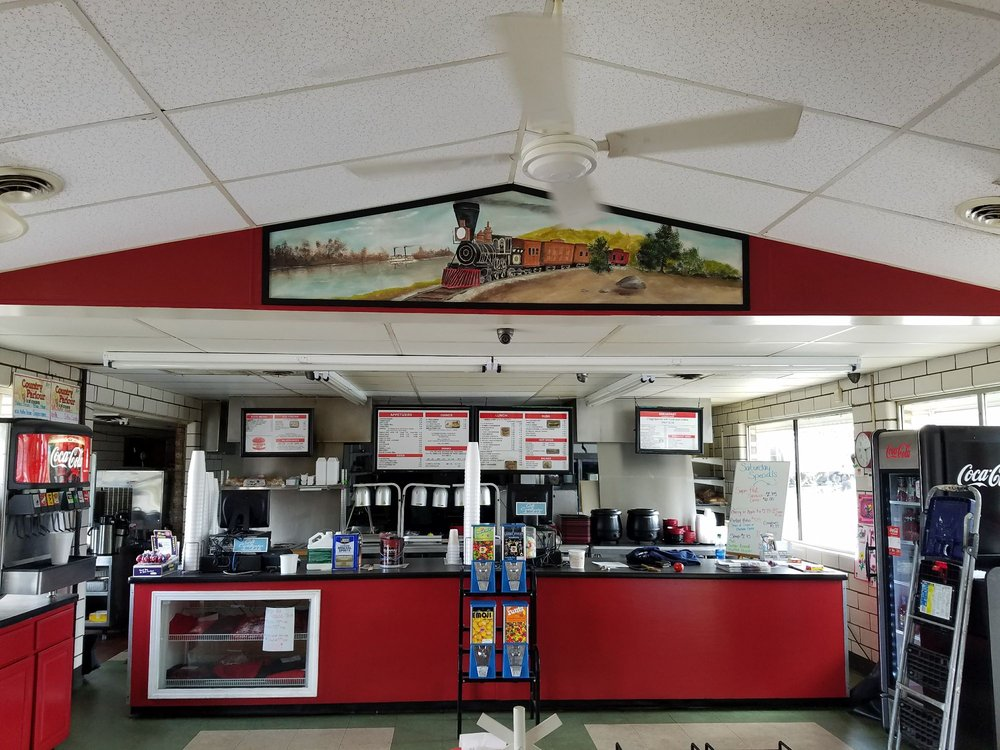 Burger Hut: 745 N Union Ave, Alliance, OH