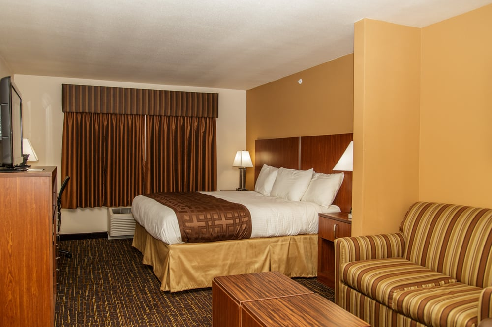 Richland Inn & Suites: 1200 S Central Ave, Sidney, MT