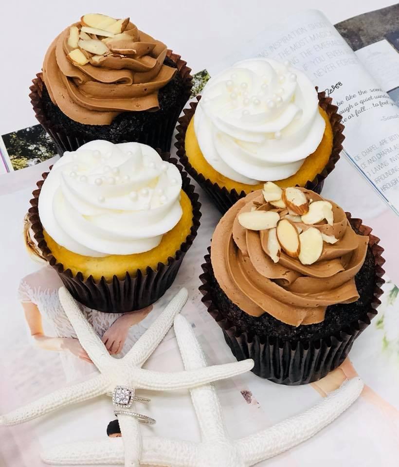 Smallcakes: 60 2nd St, Shalimar, FL