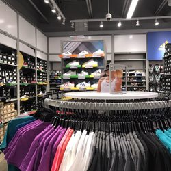 c915f176831 Adidas Factory Outlet - Outlet Stores - 18521 Outlet Blvd ...