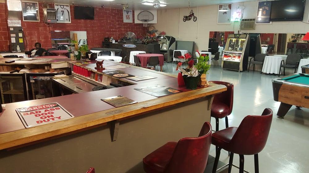 BJ's Sports Bar & Lounge: 2124 Rutledge Rd, McClellanville, SC