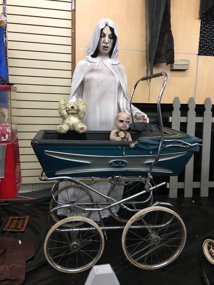 Haunted Halloween Store: 1071 N Grand Ave, Covina, CA