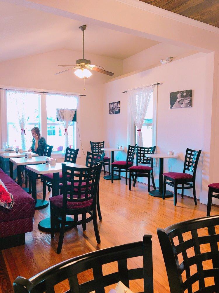 Ana's European Cafe