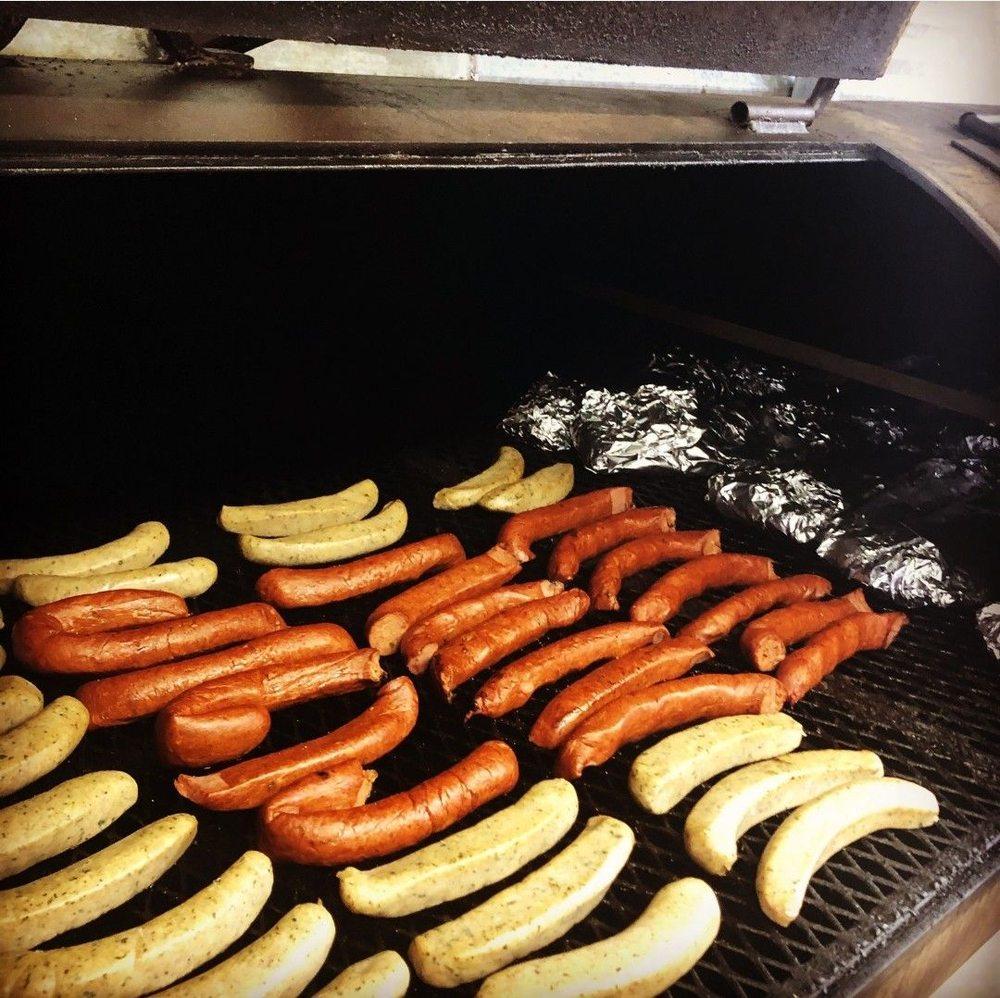 Big Thicket BBQ: 310 W 1st St, DeRidder, LA