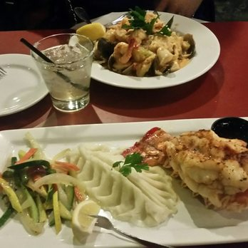 Roxana b 39 s reviews downey yelp for Big fish happy hour