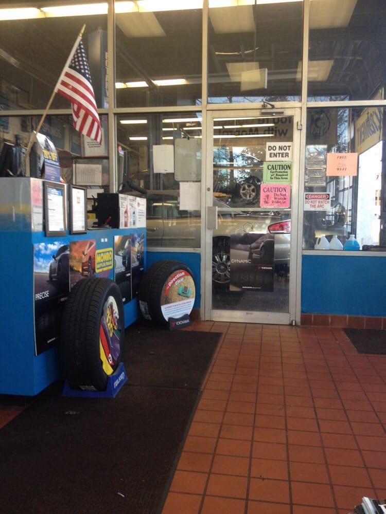Brake Places Near Me >> Monro Muffler Brake & Service - 23 Reviews - Oil Change ...