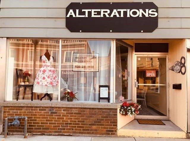Helena's Alterations and Creations: 175 W Wisconsin Ave, Kaukauna, WI
