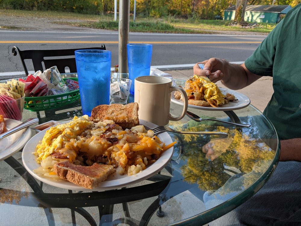Latitude cafe: 306 West Main St, Lakeside Marblehead, OH