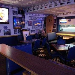 25 Bluenote Sports Bar Grille