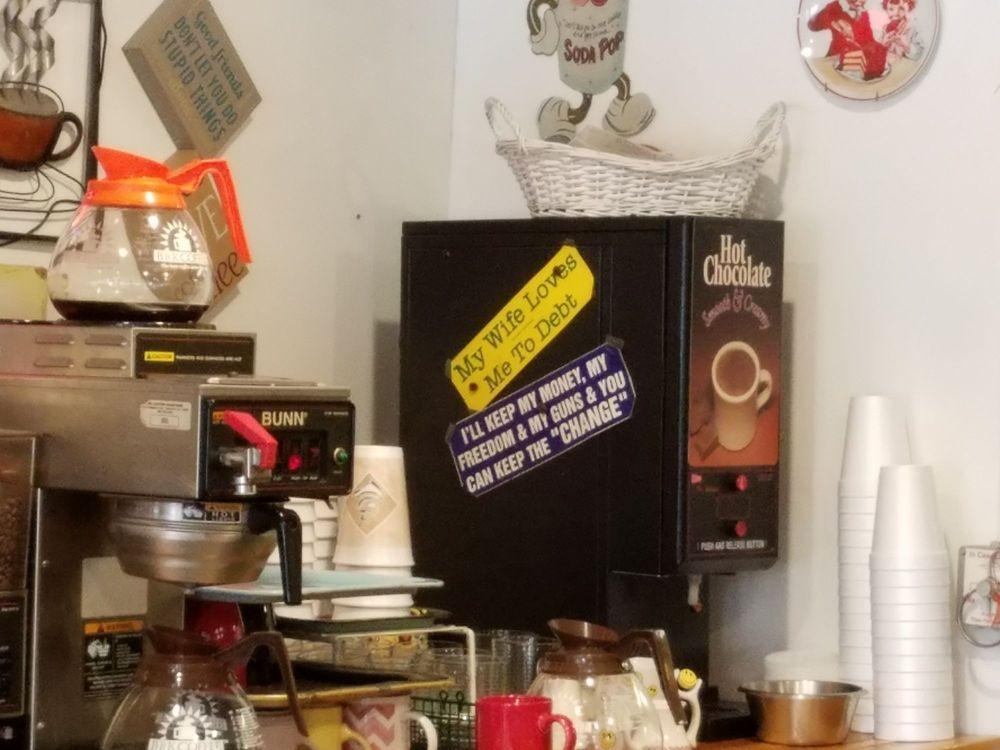 The Coffee Pot : 581 Main St, Hobart, NY