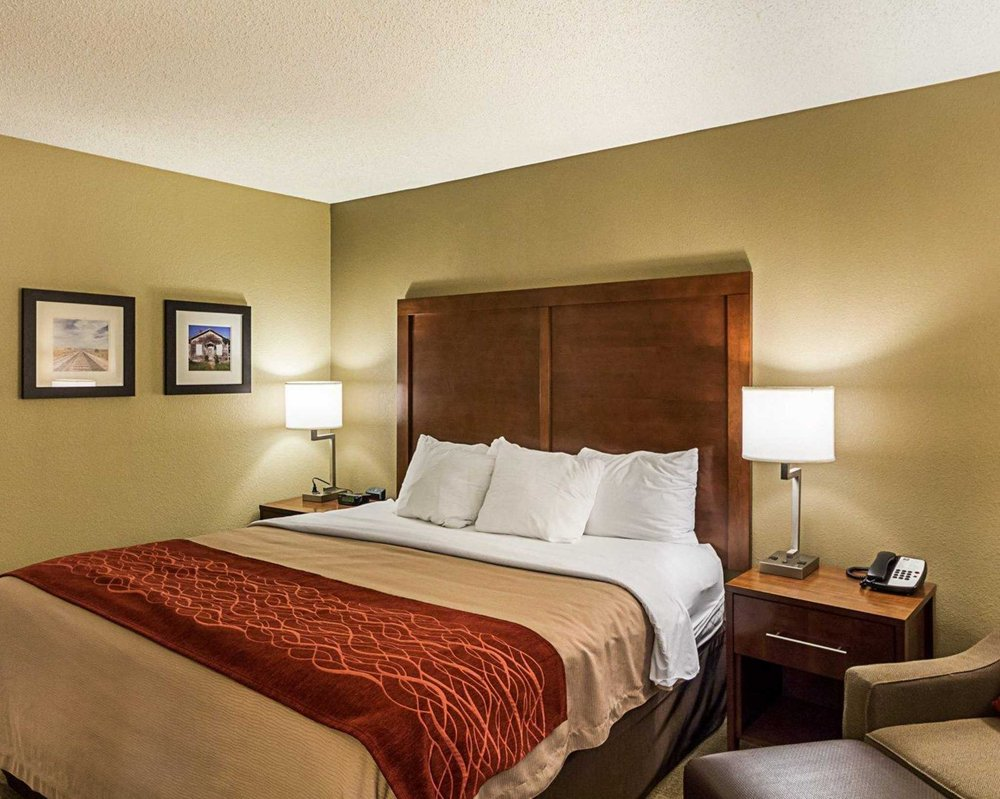 Comfort Inn East: 9525 E Corporate Hills, Wichita, KS