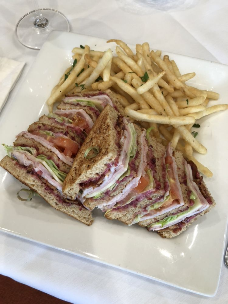 Ocotillo Restaurant and Bar: 2325 W Ridges Blvd, Grand Junction, CO