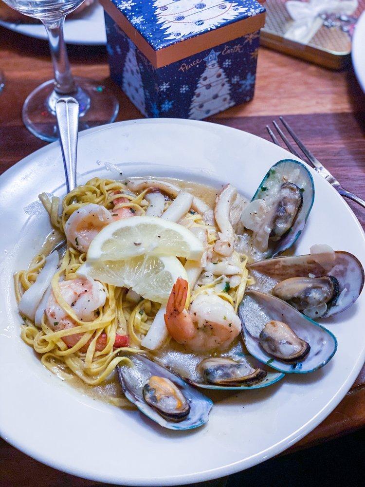 Photo of Cariera's Restaurant: Dearborn Heights, MI