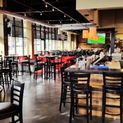 2 West Bar And Grille 54 Photos 61 Reviews Pizza 2 West Ave