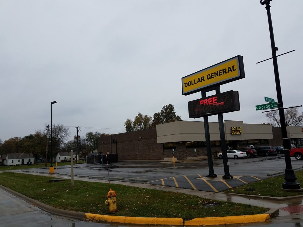 Dollar General Store: 1700 E Court St, Kankakee, IL