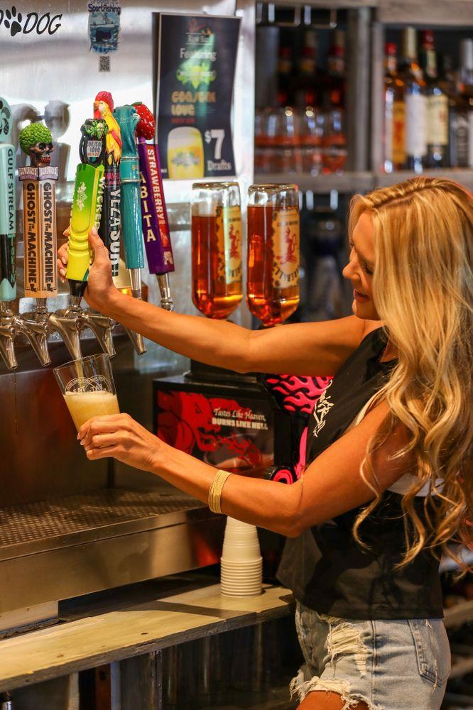 Papa's Raw Bar: 4610 N Federal Hwy, Lighthouse Point, FL
