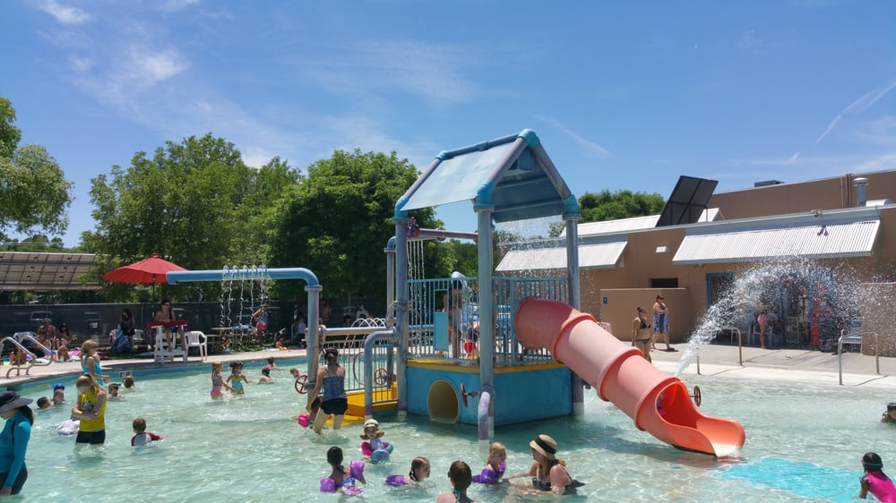 Swimming Pool: 500 Jones Rd, Corrales, NM