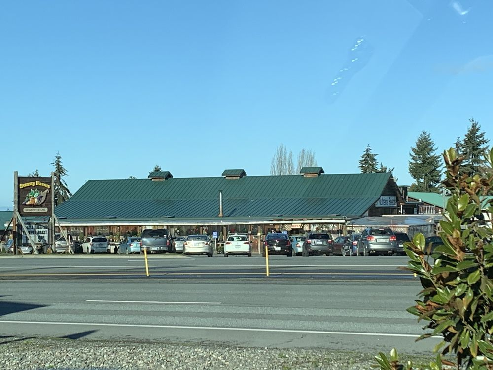 Sunny Farms Country Store: 261461 Hwy 101, Sequim, WA